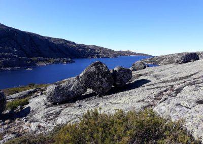 Wandelen naar Lagoa Comprida