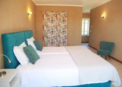 Casa Aníbel Marques Quarto Azul bedroom